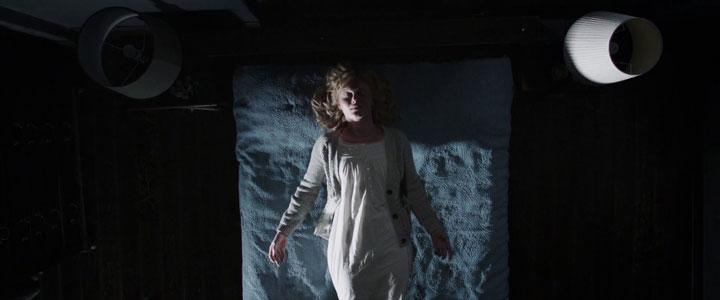 Amélia dormindo em The Babadook